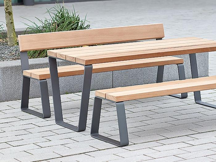 Уличные столы